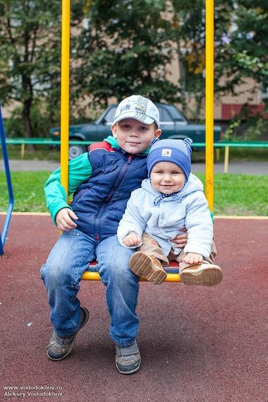 Саша с братом